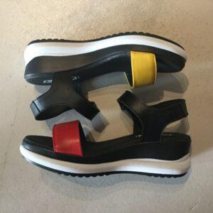 En sportig spansk sandal