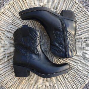 Svarta westernboots